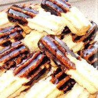 Fursecuri_delicioase_cu_glazura_de_ciocolata