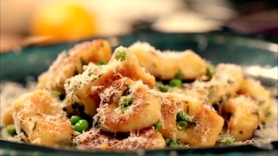 Homemade_Gnocchi_with_Peas_and_Parmesan