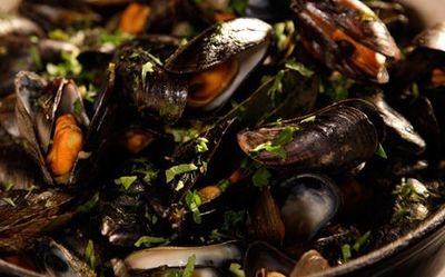 Mussels_with_Celery_and_Chilli