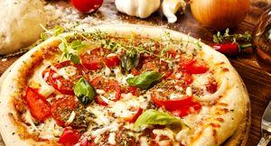 Pizza_cu_legume_si_cimbru
