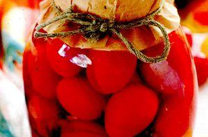Rosii cherry in saramura