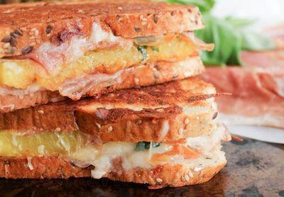 Sandwich_cu_prosciutto_si_mozzarella_15