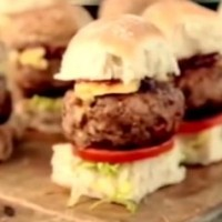Smoky_Pork_Sliders_with_BBQ_Sauce