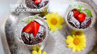 Cum_se_preparara_Sufleu_de_ciocolata_cu_capsuni
