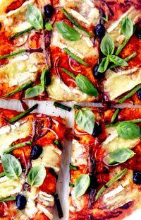 Pizza_cu_branza_brie