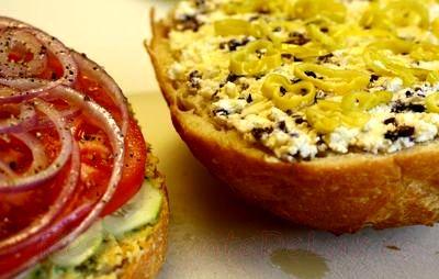 Sandwichuri_cu_pasta_de_naut_si_legume_07