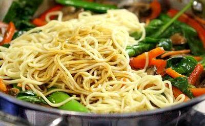 Spaghete_cu_legume_si_sos_03