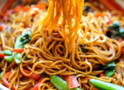Spaghete cu legume si usturoi