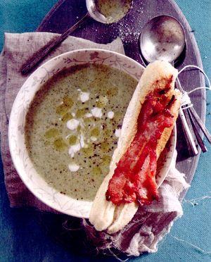 Supa_de_broccoli_cu_iaurt_grecesc_si_bacon_pe_paine