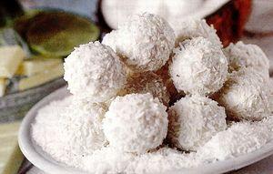 Tort cu bomboane Raffaello