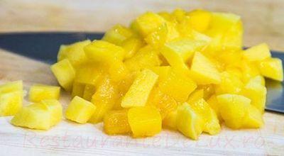 Sos de ananas cu portocale şi scorţişoară