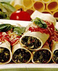 Cannelloni cu spanac si sos de rosii