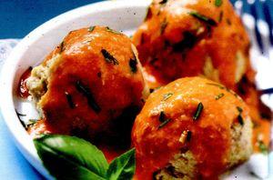 Chiftele de peste cu sos rosu