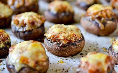 Ciuperci umplute cu ceapa caramelizata