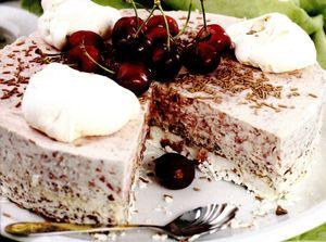 Gheata_de_visine_cu_cicolata_amaruie_si_bezea