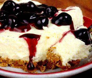 Prăjitură cu brânză şi afine