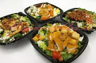 Salată caldă cu sparanghel, bacon, ou de raţă şi alune de pădure