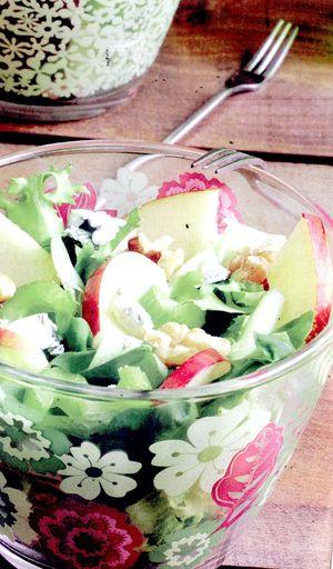 Salata_Waldorf_cu_stafide
