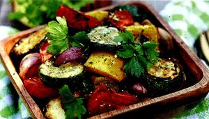 Salata_calda_cu_legume_si_usturoi