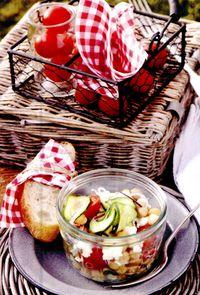 Salata_de_dovlecei_cu_mozzarella_si_boabe_de_naut