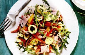 Salata_de_paste_cu_sunca_si_legume