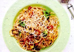 Spaghettini_cu_broccoli_si_ciuperci