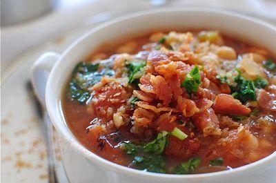 Supa de fasole cu pancetta
