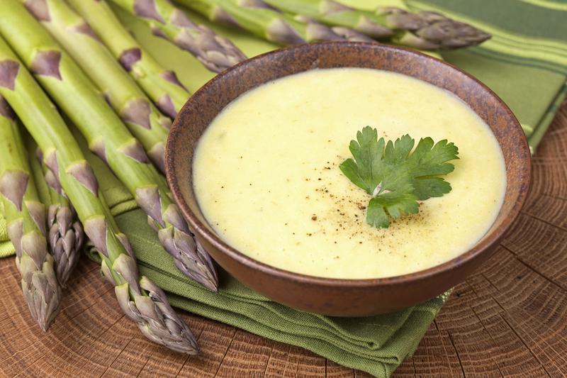 Supa de iaurt cu castraveti cruzi