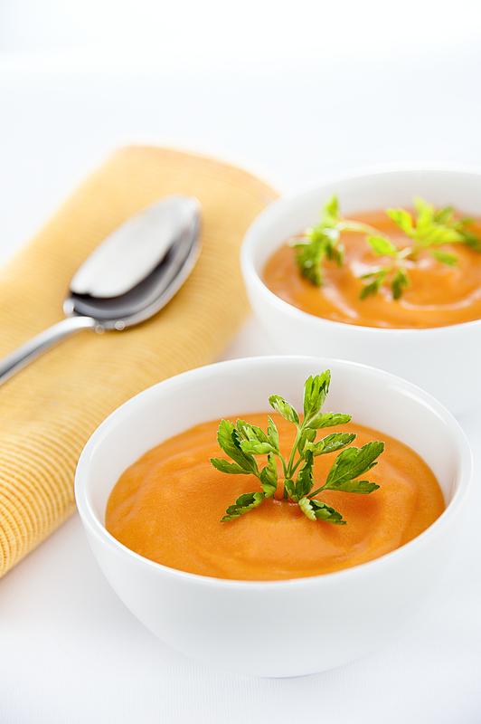 Cum se prepara supa greceasca de pui cu lamaie si Feta