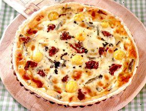 Tarta_cu_fasole_verde_cu_mozzarella_sunca_si_rosii_uscate