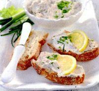 Tartine_cu_sardine_si_branza