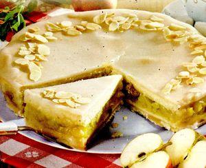 Tort _cu_mere_rom_si_ciocolata