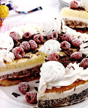 Tort_Straciatella_cu_zmeura_si_ciocolata_amaruie