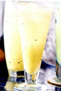 Cocktail_cu_lichior_de_oua_si_ghimbir