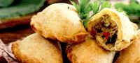 Empanadas_cu_carne_stafide_si_masline