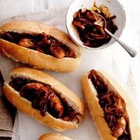 Hotdogs cu sos dulce de chilii