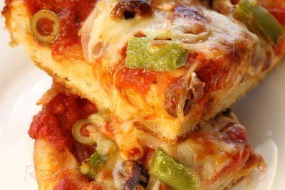 Pizza_cu_ardei_ceapa_si_masline_19