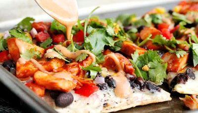 Pizza cu carne de curcan si legume