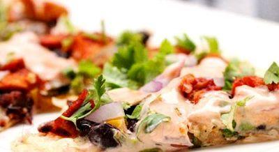 Pizza_cu_carne_de_curcan_si_legume_15