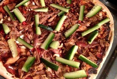 Pizza_cu_carne_de_rata_04