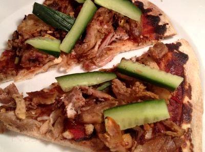 Pizza_cu_carne_de_rata_05