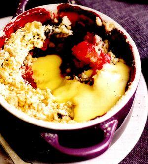 Pudding_cald_cu_mere_afine_si_crema_de_vanilie