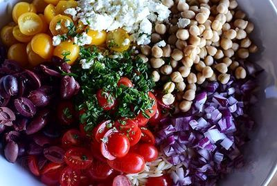 Salata_de_orz_cu_rosii_si_masline