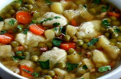 Supă de mazare cu găluşte din făină