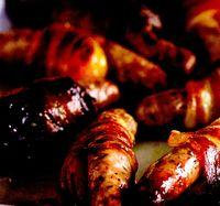 Cârnăciori în bacon