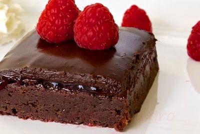Negresa_cu_gem_de_zmeura_si_glazura_de_ciocolata_15