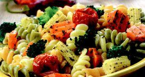 Paste_cu_broccoli_porumb_morcov_si_rosii