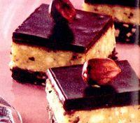 Prajitura_cu_blat_de_biscuiti_si_glazura_de_ciocolata