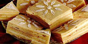 Prăjitură cu foi şi gem acrişor