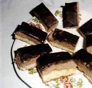 Prajitura_cu_gem_de_caise_nuca_si_cacao